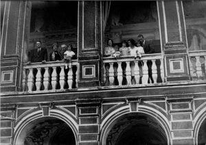 foto di famiglia sulla loggia